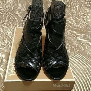 Michael Michael Kors Navy Pearlized Patent Leather
